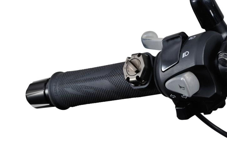 DAYTONA Heat grip with 3-level heat control. Fits 7/8 inch handlebars.