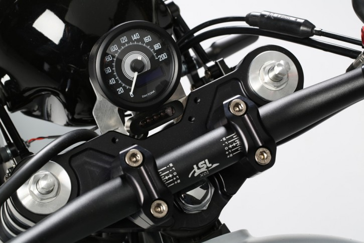 DAYTONA digital Speedometer, LED, 200km/h, black