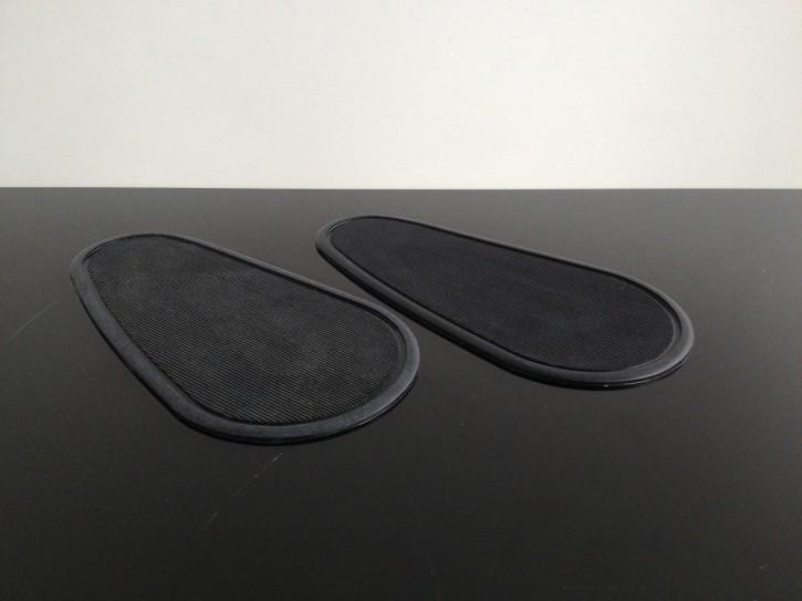 2 tank knee pads/grips