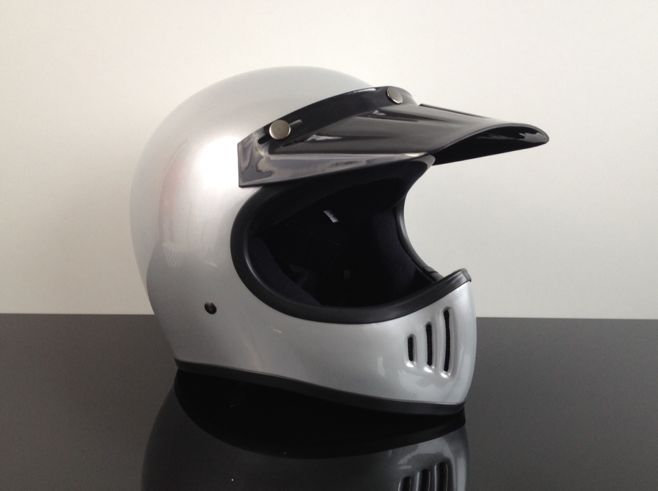 cross enduro helm endurohelm casco helmet casque silber. Black Bedroom Furniture Sets. Home Design Ideas