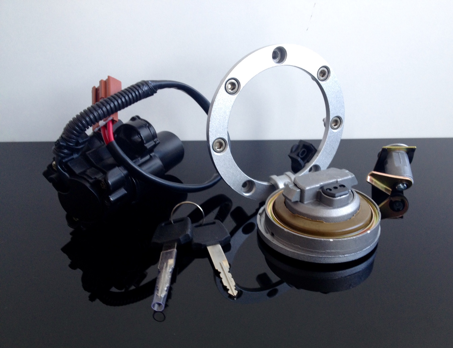 flieger tankdeckel fueltank cap bouchon de r servoir inkl schl ssersatz honda ebay. Black Bedroom Furniture Sets. Home Design Ideas