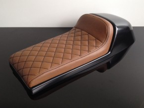 Cafe-Racer SEAT, universal, brown leather, black square-stitching