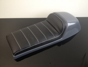 Cafe-Racer SEAT, universal, black leather, white stitching
