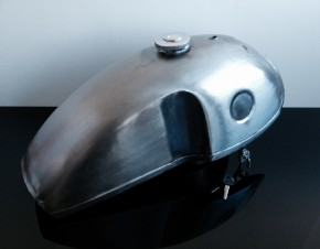 Cafe-Racer FUEL TANK, Benelli style, steel