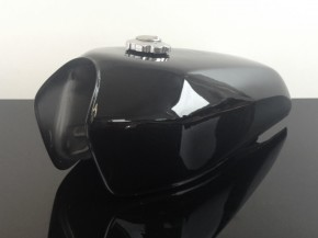 2nd choice: Universal Fueltank black gloss