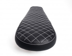 Cafe-Racer, Scrambler SEAT, Honda CX500, black leather, white square-stitching