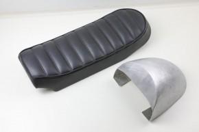 Handgefertigter ALUMINIUM HÖCKER für unsere Scrambler und Roadster Sitzbänke