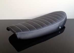 Cafe-Racer SEAT, SR 500, black leather, white stitching with cover
